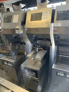 Henny Penny Pressure Fryer With Ventless Hood System computron 2000 Electric