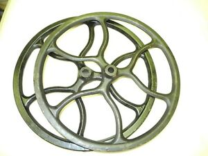 Vintage Set 2 Steampunk Cast Iron Pulley Or Belt Wheels Clean Good Paint Nice