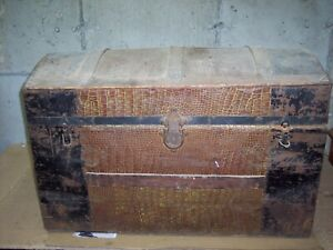 Antique Dome Top Trunk With Tray