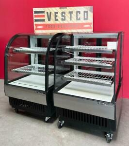 True tcgr 31 Tcgd 31 Refrigerated Dry Curved Glass Bakery Display Cases