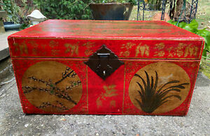 Vintage Mid Century Chinese Painted Wood Trunk Red Gold Calligraphy Chest
