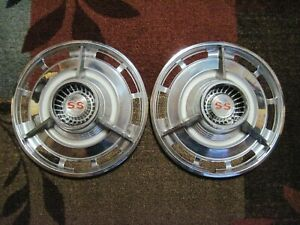 2 Vintage 1960 s Ss Chevrolet Chevy Hubcaps 14