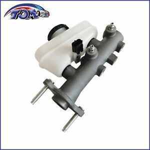 New Brake Master Cylinder For 1999 2004 Ford Mustang