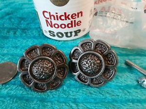 2 Nos Vintage 60 S Ajax Pewter 1 5 In Round Daisy Cabinet Knobs Pulls