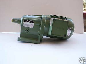Lenze Ac Motor With Helical Gearbox Model 7kc4 063h 12 622 10 1