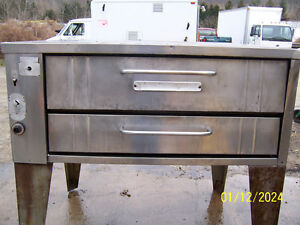 Used Bakers Pride 351 Single Deck Pizza Oven