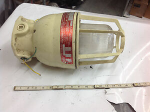 American Electric Xim1512 Hazardous Explosion Proof Light Fixture120v 150w Used