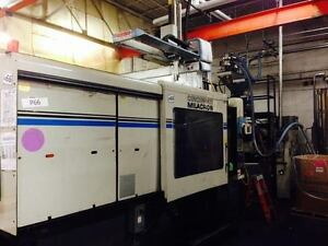 1996 Cincinnati Vt 550 54 Plastic Injection Molding Machine