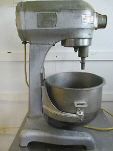 Hobart 20 Quart Mixer A200 With 2 Attachments Excellent Condition Steel Table
