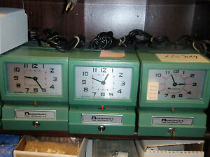 Acroprint 150 Time Clock W 100 Time Cards 12 Pocket Rack Rcndtnd W 1 Yr Grntee