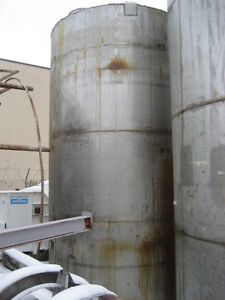 5 300 Gallon Stainless Steel Vertical Tank