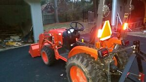2014 Kubota B2320d 4x4 33 Hrs W mower Loader La304