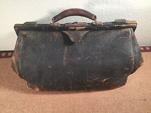 Vintage Antique Large Leather Doctor S Medical Bag Lined 16 X 8 X 10