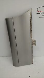 1999 Lincoln Town Car Passenger Right Lower Outer Rear Door Moulding Scratch