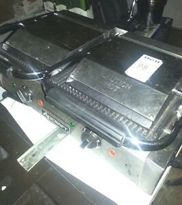R22 Adcraft Double Electric Sandwich panini Grill Ribbed Surface Used
