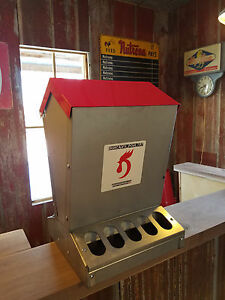 Duncan s Poultry 55 Lb High Capacity Chicken Feeder Hinged Lid Made In Usa