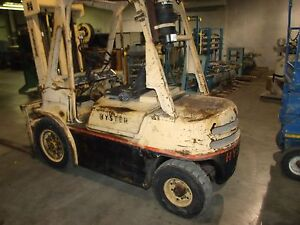 Hyster 80 Diesel Forklift Pneumatic Tire 5700lb Capacity 787hrs Side Shift