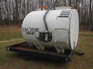 1500 Gallon Storage Tank With Manual Pump