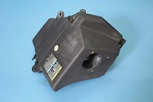 2003 Cadillac Cts 13 14 Air Cleaner Intake Filter Box Housing Oem 25741246