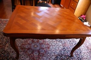 French Antique Dinning Table 1830 1850 Featuring Versailles Marquetry