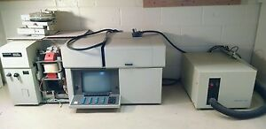 Perkin Elmer 3030 Atomic Absorption Spectrophotometer