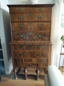 18th Century English Chest On Chest Queen Anne Style Legs Amazing