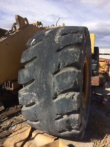 41 25 70 39 L 5 Used Loader Tires