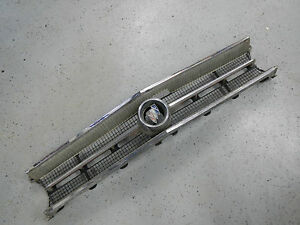 1963 Buick Wildcat Front Grill Center Section With Tri Shield Emblem 63