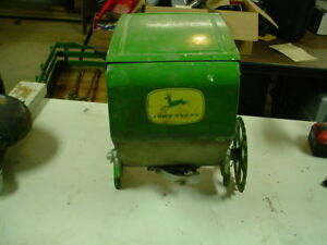 New Old Stock Vintage Metal John Deere Corn Planter Insecticide Box 494 494a