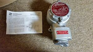 Crouse Hinds Fsqc230 Explosion Proof Receptacle Switch Nib