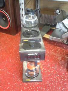 Bunn Commercial Coffee Maker W Coffee Pots