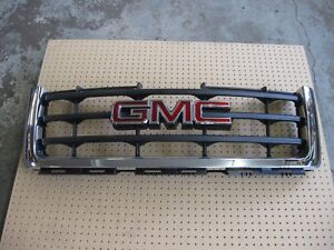 New Gm Oem Chrome Grille p n 25810704 Fits Gmc Sierra 1500 2007 2012