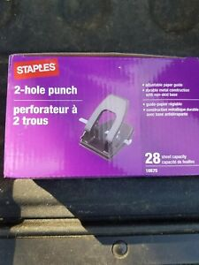 Staples 2 hole Punch 28 sheet Capacity