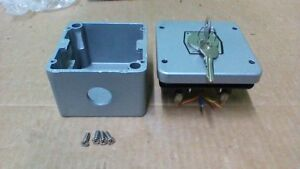 Forward Reverse Keyed Selector Switch With 18a 125vac Contacts