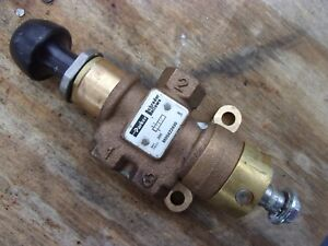Parker Air Pneumatic Spool Valve Control Manual Brass M05422450 3 way 1 4 Line