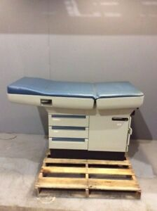 Midmark 404 Exam Table Medical Healthcare Furniture Examination Equipment