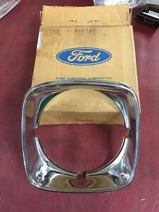 1973 76 Thunderbird Rh Headlamp Door Nos