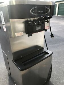 Taylor C713 33 Air Cooled 3 Phase Power Soft Serve Frozen Yogurt Machine