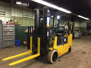 Caterpillar 6000 Lb Forklift With Side Shift And Triple Mast