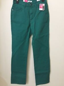 Petite Lee Jeans Size 6P Classic Fit Straight Leg At the Waist