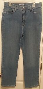 Lee Classic Fit Straight Leg Womens Size 12 Petite Light Wash Denim Blue Jeans
