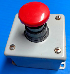 Siemens Red Pushbutton Switch Emergency Stop 52bjk