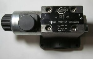New Genuine Manitowoc Cranes Model 7041150 Directional Valve 12v