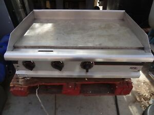 Apw Wyott 36 Electric Flat Top Griddle For Commercial Kitchen food Truck