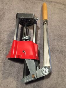 Lee Precision 3 Hole Turret Press w Auto Index & T-shaped Primer Arm #90576