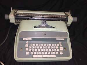 Ibm Executive Typewriter Works And Tested With Cover