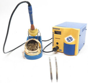 Hakko Fm 202 Soldering Station W Fm 2021 Soldering Iron 599b Cleaner And Tips