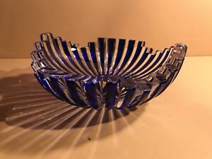 An Antique Blue And White Thick Crystal Bowl