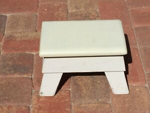 Vintage Wood Stepstool Footstool Step Foot Stool Wooden 22994
