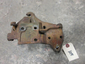 John Deere Unstyled Us D Magneto And Air Cleaner Bracket D798r